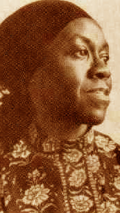 """gwendolyn brooks and bronzeville mother loiters In her other poem having a long title as """"a bronzeville mother loiters in mississippi/meanwhile, a mississippi mother burns bacon"""", gwendolyn brooks."""